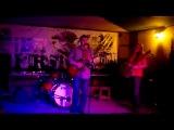 Syllers исполняют песню Йо-Йо